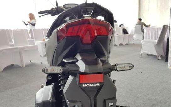 tampilan belakang honda vario 125